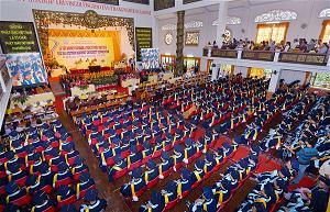 Lễ tốt nghiệp và trao bằng cho các cử nhân và thạc sĩ Phật học Học viện Phật giáo Việt Nam năm 2015.
