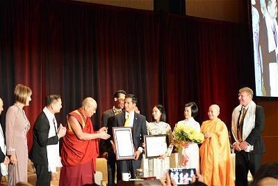 dalai lama at garden grove 6