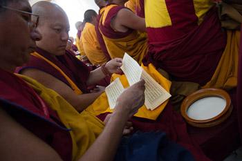 Dalai Lama teaching 2