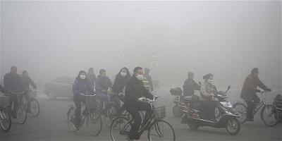 H.7 Công nhân đến xưởng làm tại thành phố Cáp Nhĩ Tân