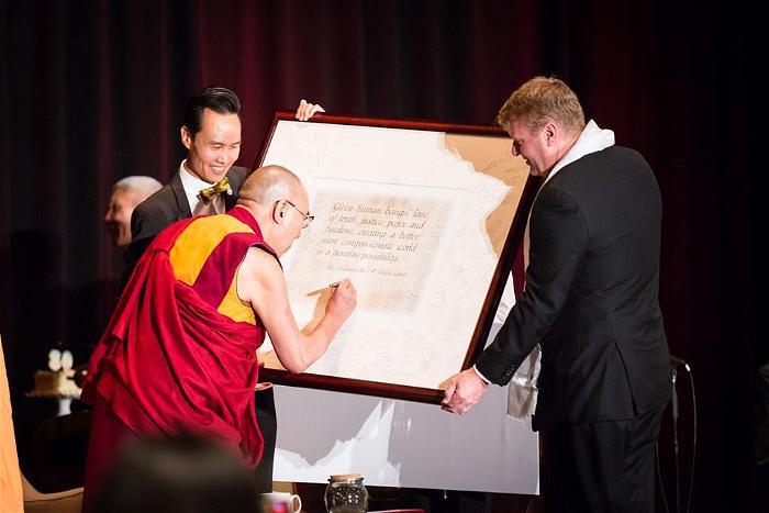dalai lama at garden grove 5
