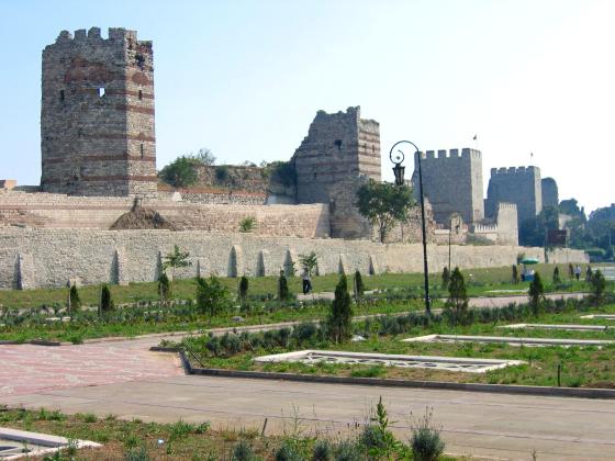 H.4- Tường thành La-mã tại Constantinople thế kỷ thứ IV)