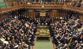 The-British-Parliament-Stops-To-Meditate-733x440