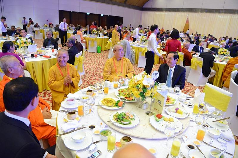 Gala Dinner in Hanoi Vesak 15