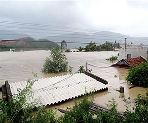 vietnam-flood-tropical-storm-mirinae-afp-lg
