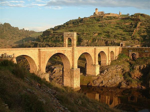 H.3 Cầu Alcantara (Tây Ban Nha, đầu thế kỷ thứ II)
