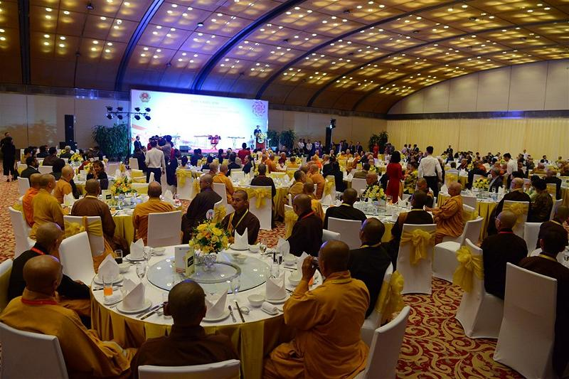 Gala Dinner in Hanoi Vesak 01