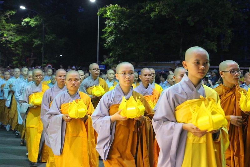 Lễ rước Phật tại Huế 13