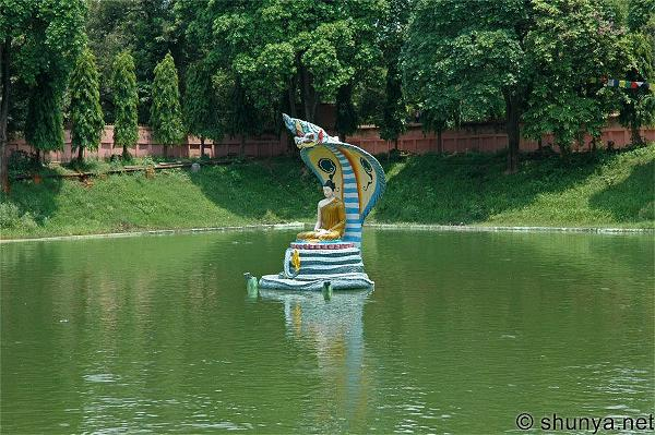 thanhdao-mucalinda-lake
