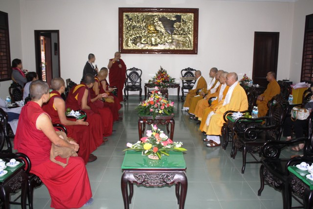 thamthogrinpoche-01