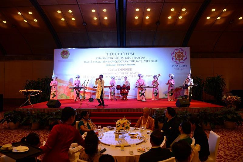 Gala Dinner in Hanoi Vesak 04