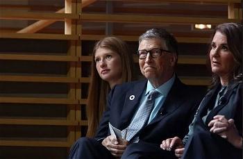 Bill Gates cùng vợ và con gái - Ảnh Yana Paskova