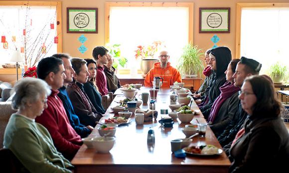 Xu Hướng  Ăn Chánh Niệm  Trong Xã Hội  Ngày Nay