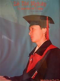 Bác sỹ Ngô Thành Thanh nhận bằng tốt nghiệp Đại Học Y Khoa Huế