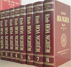 Kinh Hoa Nghiem Thich Tri Tinh cover book (1)
