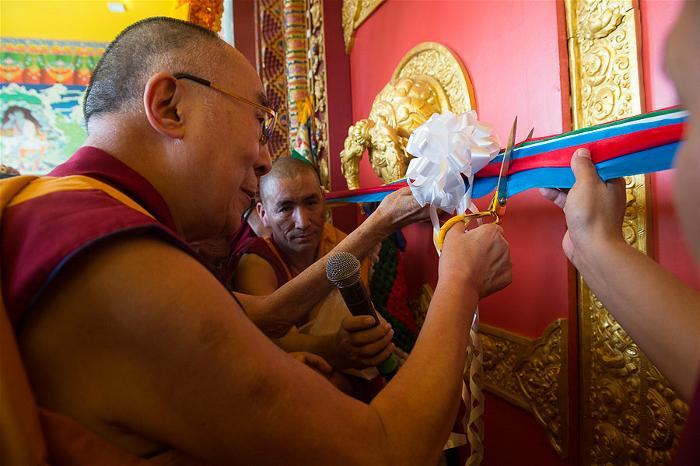 Dalai Lama at the new Tashi Lhunpo Monastery 4